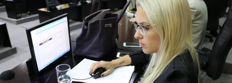 Projeto de Lei de Janaina Riva prevê criação de Hospital Veterinário Público Estadual e Clínicas Veterinárias Públicas