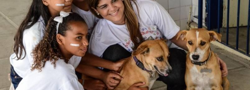 Alunos da Escola Antonio Heráclio expõem trabalhos sobre cuidados com os animais e o meio ambiente