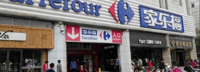 Supermercado europeu Carrefour é pego vendendo carne de cachorro na China