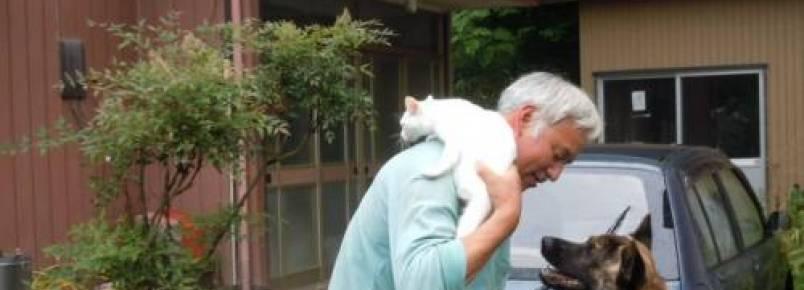 """Homem se recusa a sair de Fukushima e é conhecido como """"Guardião dos animais"""""""