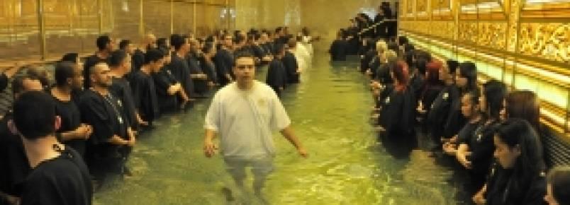 Por que o batismo nas águas?