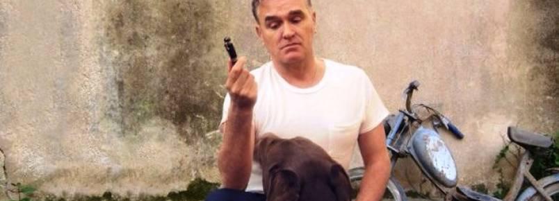 Morrissey lança novo álbum com faixa contra touradas