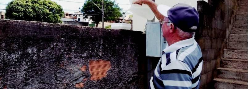 Morador do Fênix, em Itabira, MG, dá exemplo de amor aos animais.