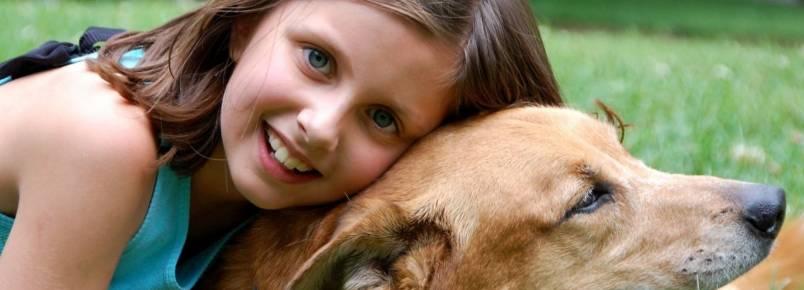 Crianças que têm cães em casa sofrem menos de ansiedade