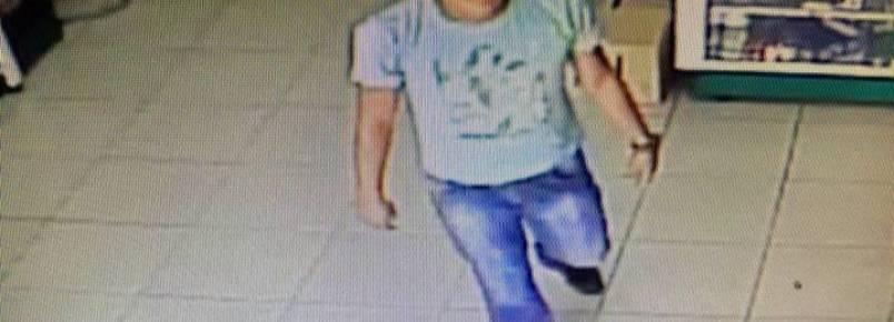 Homem abandona 5 filhotinhos em pet shop de João Monlevade (MG)